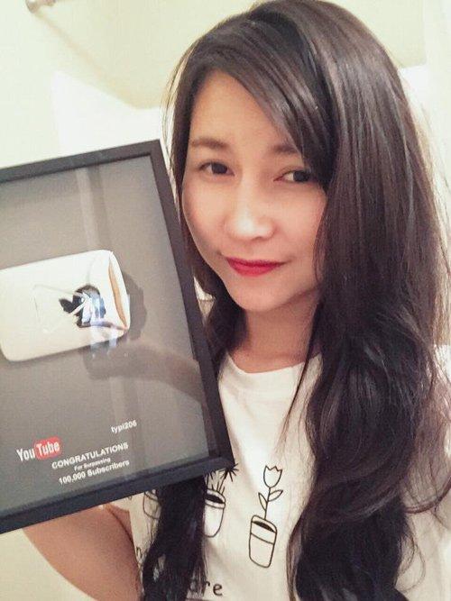 Nhã Ân vinh dựdành nút bạc Youtube