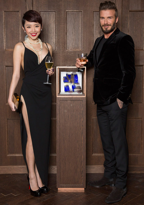 David Beckham phải mời Tóc Tiên thêm 1 lần nữa, đưa cô tới London để tiếp tục cặp kè.