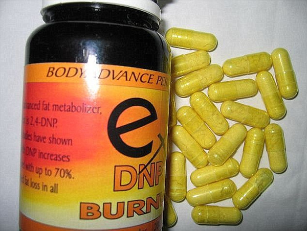 Kết quả điều tra mới đây cho biết, cô mua thuốc DNP trên một trang web của Trung Quốc (Ảnh minh họa).