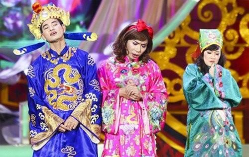 Từ trái qua phải: Xuân Bắc, Công Lý, Vân Dung - những nghệ sĩ quen mặt với khán giả trong chương trình Táo Quân hơn 10 năm nay.