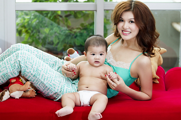 Oanh Yến và cậu con trai là kết tinh của mối tình với người đàn ông đã có vợ
