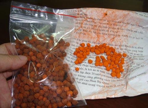Gói thuốc cam được PV mua tại Ninh Hiệp, Gia Lâm, Hà Nội.
