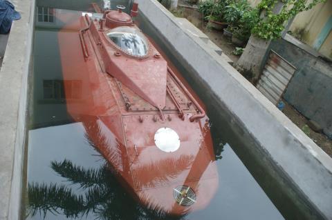 Tàu ngầm Hoàng Sa mất tính năng vượt cạn vì... thiếu tiền - Ảnh 2.