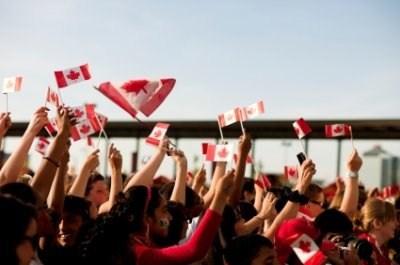 Với người dân Trung Quốc, Canada là điểm đến lý tưởng. Nhiều du học sinh sau khi hoàn thành chương trình học tập tại đây cũng tìm kiếm cơ hội ở lại làm việc.