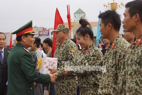 Trung tướng Phạm Hồng Hương, Phó Tổng tham mưu trưởng QĐND Việt Nam biểu dương, động viên các lực lượng tham gia diễn tập A-15.