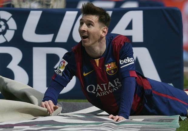 Bản năng của một con bạc giúp Messi thêm thành công trên sân cỏ?