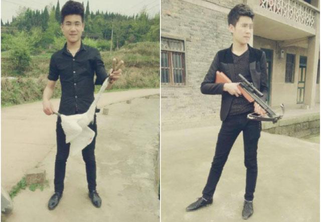 Bức hình thứ nhất ghi lại hình ảnh một thanh niên trẻ cầm trên tay xác một chú chim trắng và một khẩu súng cao su. Một bức ảnh khác chụp thanh niên này đang trong tư thế giương nỏ.