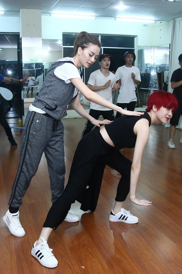 Không ngại tập những động tác vũ đạo khó, đòi hỏi kĩ thuật cao, chị em Thiều Bảo Trang, Thiều Bảo Trâm hi vọng lần tái xuất sắp tới sẽ gây được ấn tượng đặc biệt cho công chúng.