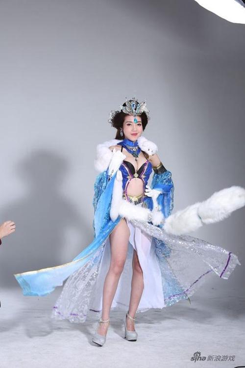 """Nội y cực """"dị"""" gây bão trên sàn diễn Trung Quốc - 8"""