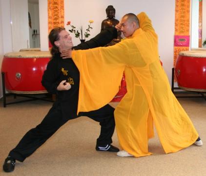 Thích Diễn Lỗ thường trực tiếp tham gia dậy võ cho rất nhiều môn sinh.