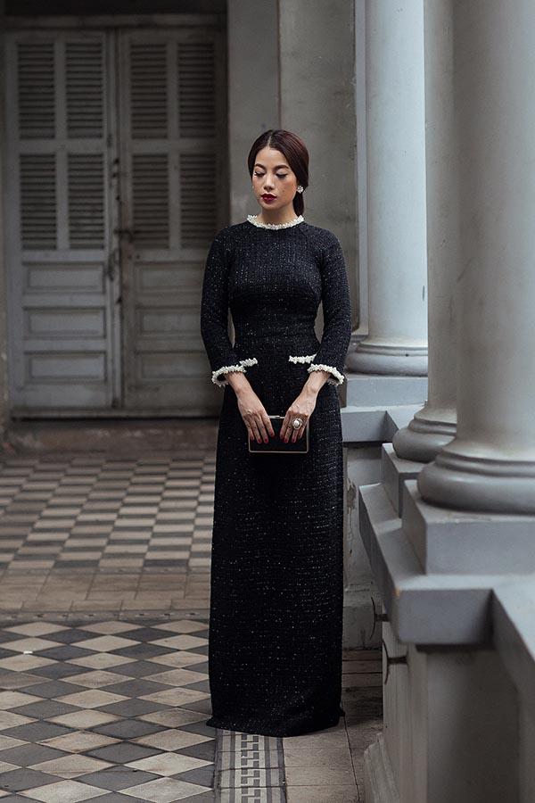 Và lần này Công Trí đã vận dụng hai yếu tố đặc trưng trong thiết kế của Chanel vào chiếc áo dài đầy tinh tế.