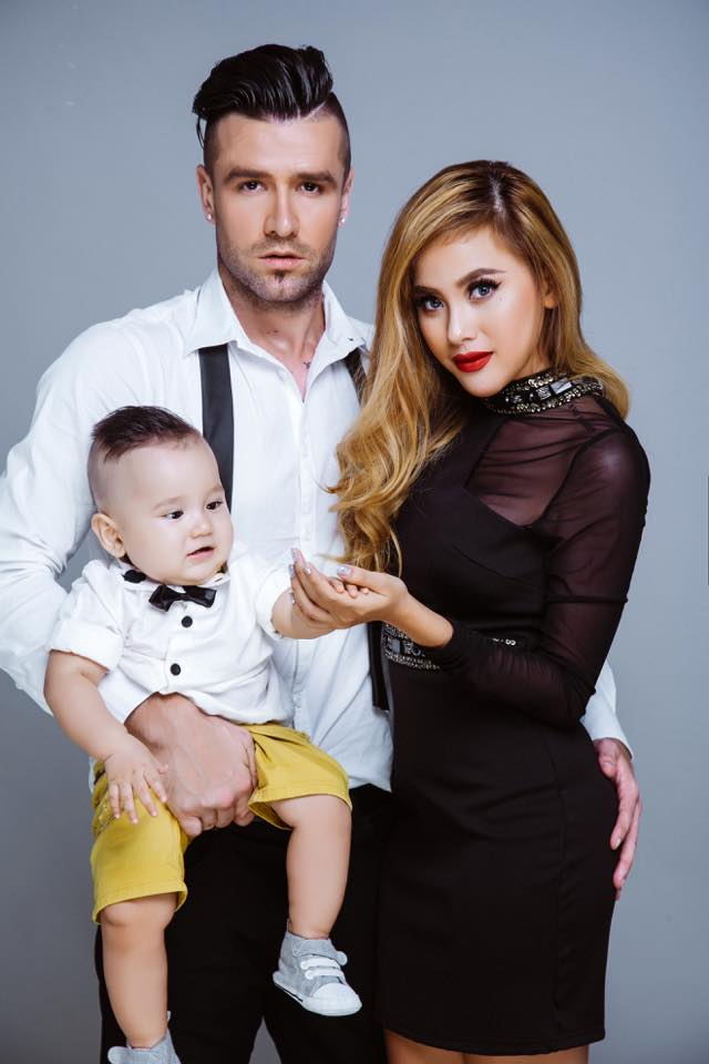 Danny van Bakel đã có vợ con người Việt Nam.