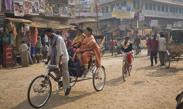 Vụ việc khủng khiếp trên xảy ra tại một ngôi làng nhỏ ở Khair, bang Uttar Pradesh, Ấn Độ.