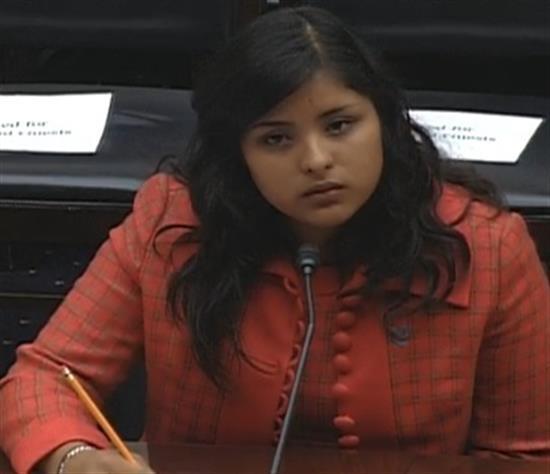 Karla chia sẻ câu chuyện của mình trước Quốc hội Mỹ tháng 5 vừa qua.