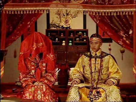 Các Hoàng đế Trung Hoa phần lớn đăng cơ và lấy vợ từ rất sớm, khi họ còn chưa đến tuổi trưởng thành.