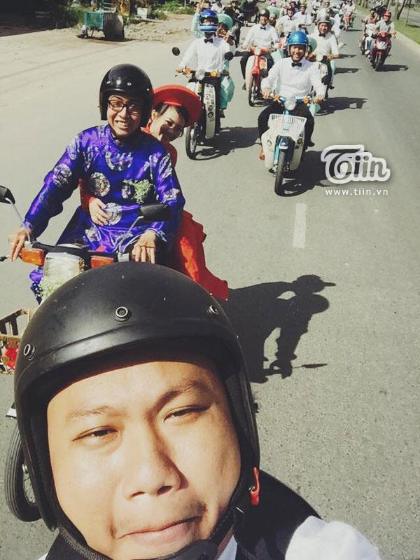 Để 'cưa đổ' được cô dâu Thanh Hiền, chú rể đã phải nhờ sự giúp đỡ nhiệt tình của anh em trong Vietnam Cub Club, các thành viên trong hội luôn tạo điều kiện để cặp đôi được gần gũi nhau trong những buổi offline của hội.