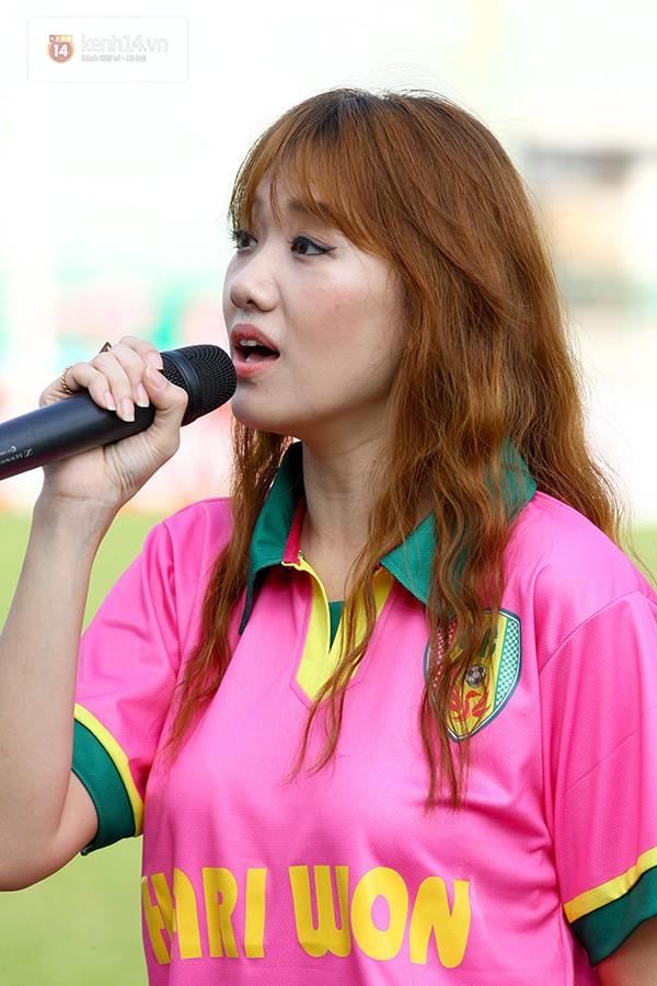 Hari Won hát