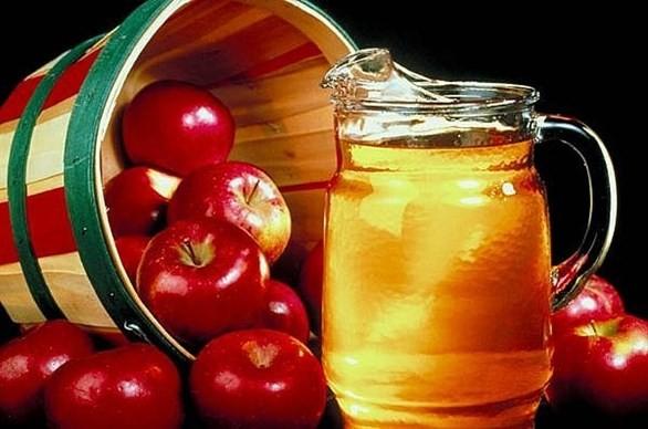 Giấm táo tuy có thể loại bỏ cao răng nhưng bạn cũng không nên dùng quá nhiều vì có thể bị hỏng lớp men bên ngoài.
