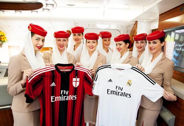 Ronaldo hớn hở khoe ảnh chụp với tiếp viên hàng không xinh như mộng 3