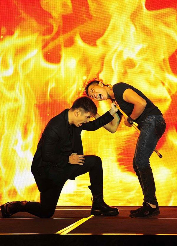 Trong sự kiện chính, dàn diễn viên gồm: Trương Ngọc Ánh, diễn viên Việt kiều Thiên Nguyễn, Vĩnh Thụy, Cường Seven... đã trổ tài võ thuật ngay trên sân khấu.