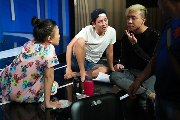 Mới đây, Trường Giang và nhiều danh hài nổi tiếng đã cùng nhau hội ngộ tại hậu trường của một buổi ghi hình gameshow truyền hình.