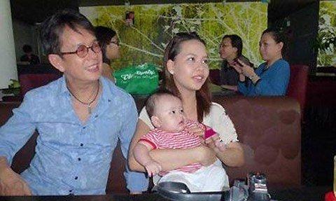 Nhạc sỹ Đức Huy cùng người vợ trẻ và cậu con trai đáng yêu