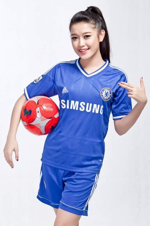 """Á hậu Huyền My: """"Cảm xúc vỡ òa khi được giới thiệu trên fanclub 7 triệu like của Chelsea"""" 4"""