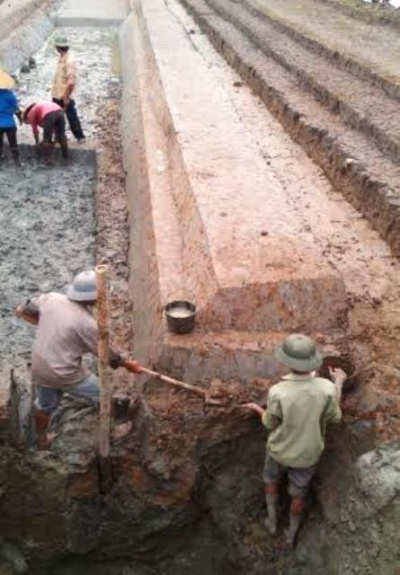 Hào thành phát lộ trong lần đầu tiên được các nhà khoa học tổ chức khai quật. Ảnh Trung tâm di sản Thành Nhà Hồ cung cấp