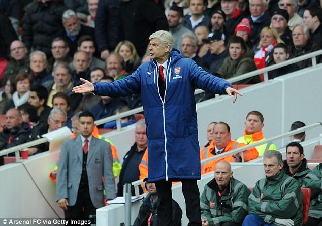HLV Wenger cáo buộc Chelsea đến Emirates chỉ để phòng ngự
