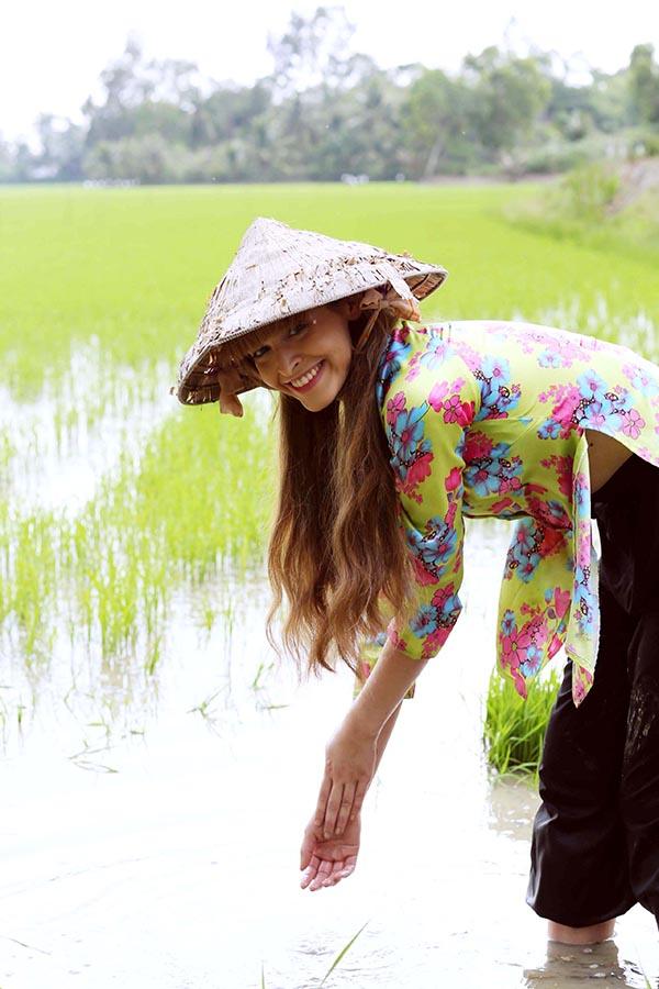 """Vai diễn cụ thể của An Tây cùng những khoảnh khắc tình cảm bên Phước Sang sẽ chính thức được bật mí khi """"Hy sinh đời trai"""" ra mắt ngày 21/08."""