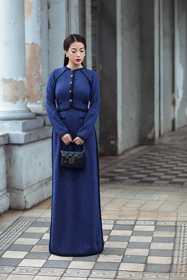 Lựa chọn cô bạn thân là diễn viên Trương Ngọc Ánh thể hiện ý tưởng của bộ sưu tập, sự kết hợp hài hoà giữa trang phục, kiểu tóc và cách trang điểm giúp cho diễn viên Hương Ga thêm ấn tượng và nổi bật hơn.