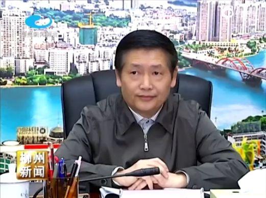 Ông Tiêu Văn Tôn bị chết đuối trên sông Liễu Giang khi đang đi dạo cùng thư ký riêng.