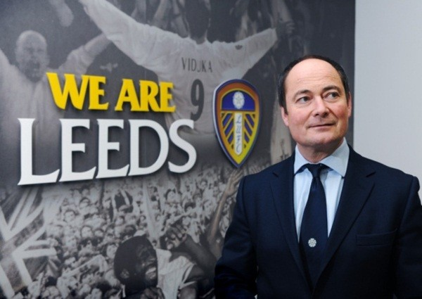 Chủ tịch Andrew Umbers phủ nhận việc bán Leeds.