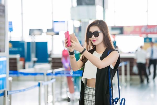 Á hậu Huyền My cho biết ngay khi đặt chân đến Thái Lan, cô đã được ban tổ chức đón tiếp chu đáo và đưa về khách sạn sang trọng, có xe riêng đưa đón.  Vào ngày 30/5 tới, Huyền My sẽ ngồi khu vực VIP để theo dõi trận đấu đáng chú ý này cùng các nhân vật nổi tiếng của Thái Lan và một số nước khu vực Đông Nam Á.