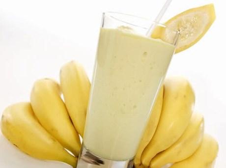 Những người bị viêm thận mãn tính, suy giảm chức năng thận không nên ăn chuối tiêu. Người bị bệnh viêm khớp, bệnh tiểu đường cũng không nên ăn nhiều chuối.