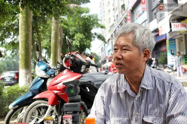 Ông Lâm cho biết mình không hề lo lắng và có rất ít lòng tin vào tiếng chuông báo cháy. Và đó là lý do khiến tối ngày 11/10, ông bị mắc kẹt tại tòa nhà CT4B, KĐT Xa La khi xảy ra cháy thật.
