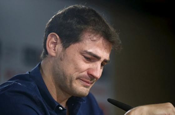Casillas khóc khi chia tay Real