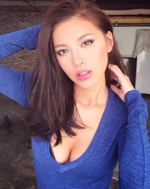 Và người mẫu Minh Tú cũng là những mỹ nhân Việt sở hữu chiếc răng thỏ đáng yêu bên cạnh vẻ sexy vốn có.