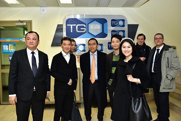Vừa qua, Mr Đàm cùng diễn viên Ngọc Thanh Tâm đã cùng tới thăm và làm việc với Đài truyền hình quốc gia Italy.