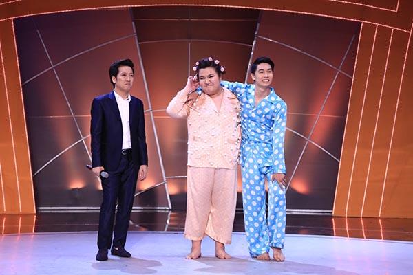 Tính đến liveshow 6, Thủy Tiên đã giảm được 23,1kg so với thời điểm mới bắt đầu tham gia cuộc thi (Cân nặng ban đầu: 127kg, cân nặng hiện tại: 103.9kg).