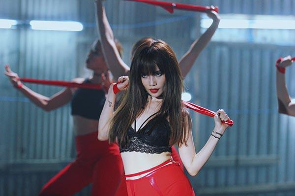 Song song đó, thần thái diễn xuất chuyên nghiệp của Sỹ Thanh cũng là điểm cộng để Dont Want You trở thành sản phẩm đáng chú ý trong thời gian tới.