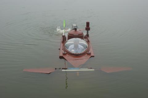 Clip Tàu ngầm Hoàng Sa thử thành công: Lặn nổi nhịp nhàng - Ảnh 8.