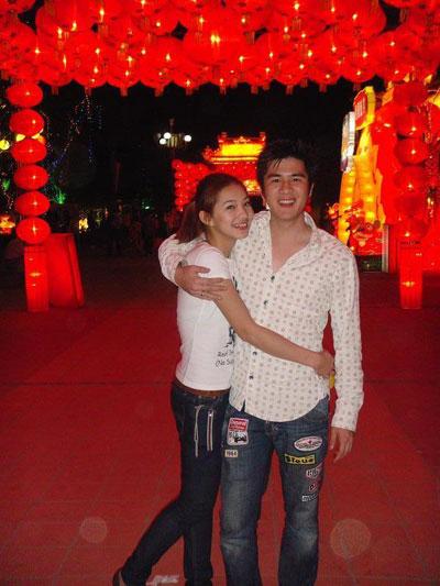 Hình ảnh Lee BaLan hạnh phúc với người yêu