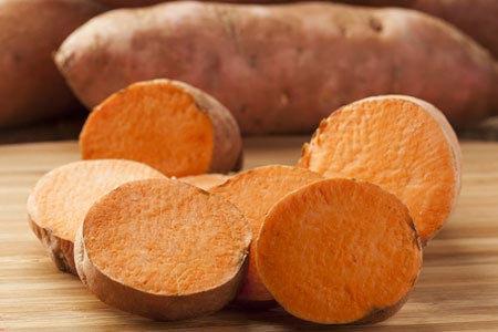 Những phụ nữ có nồng độ carotene cao nhất có nguy cơ tái phát ung thư vú thấp nhất. Đây là kết luận được các nhà khoa học từ WHEL (Women's Healthy Eating and Living) đưa ra sau khi tiến hành nghiên cứu trên những phụ nữ hoàn tất giai đoạn đầu điều trị căn bệnh này.