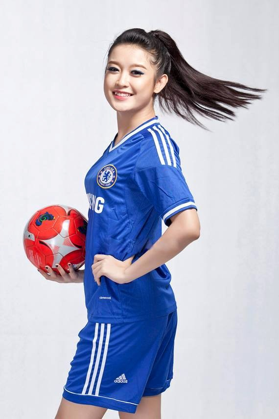 Fanclub Chelsea 7 triệu người like đăng ảnh Á hậu Huyền My 8