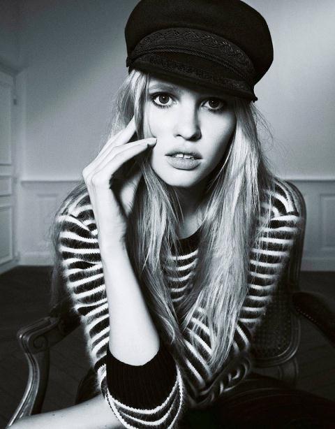 Răng thỏ đã giúp các người đẹp nổi danh trong sự nghiệp của mình. Với vẻ đẹp khác biệt, Lara Stone được vinh danh trong danh sách 50 người mẫu kiếm tiền giỏi nhất do Forbes bình chọn.