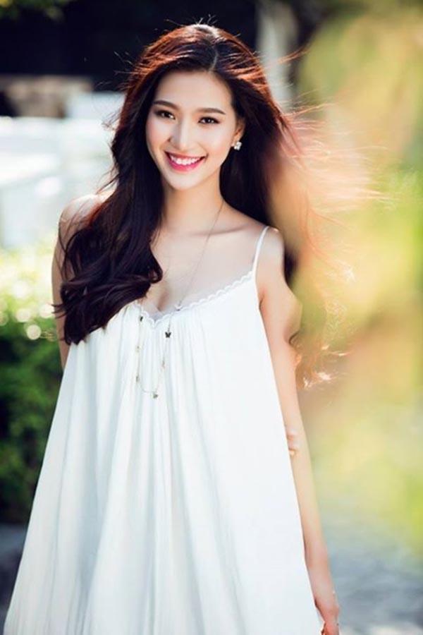 Nhan sắc đời thường của Linh Sunny