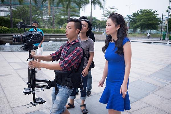 Tái xuất bằng hàng loạt sản phẩm âm nhạc chất lượng trong năm nay, Thu Minh trở thành ngôi sao được nhiều đơn vị săn đón để mời biểu diễn vào thời điểm chuyển giao giữa năm cũ và năm mới.
