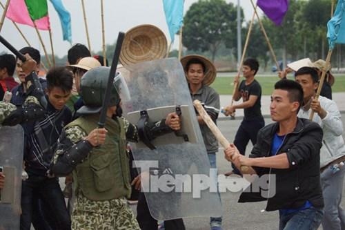 Lực lượng đặc công phối hợp với các lực lượng liên quan ngăn chặn biểu tình, bạo loạn
