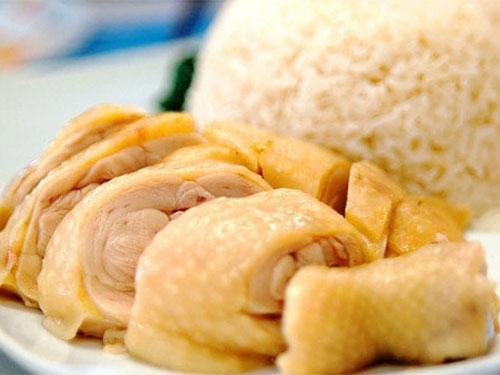 Đông y cho rằng thịt gà không nên ăn cùng cơm nếp.